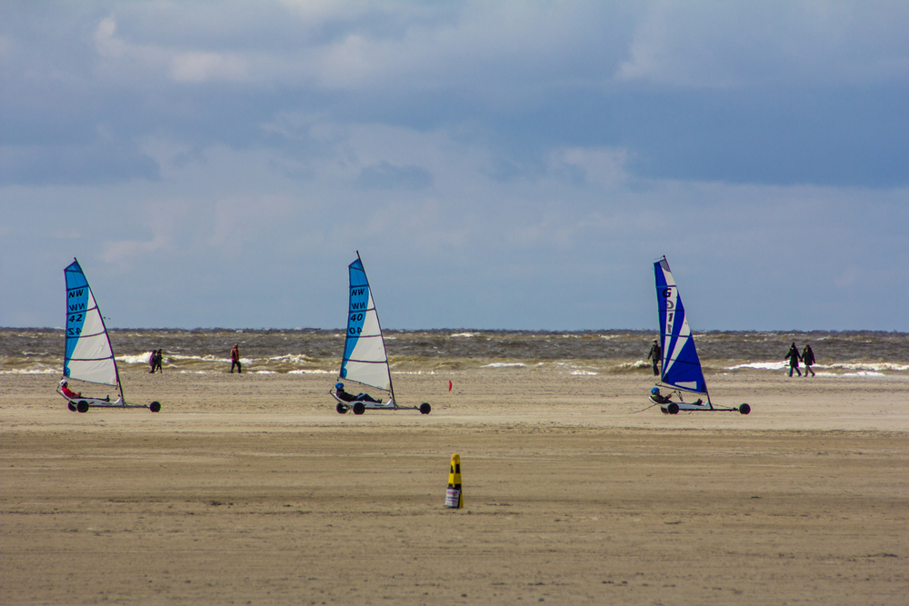 Sankt Peter Ording / Kite buggies in action