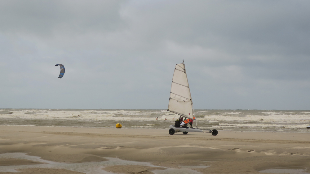 SAND YACHT ON THE BEACH OF THE TOUQUET , HAUTS DE FRANCE , FRANCE