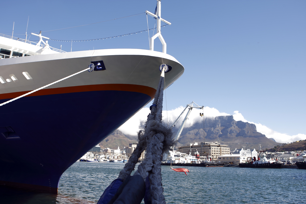 Huge, luxury, passenger cruise ship in Cape Town harbour � Victoria and Alfred Waterfront, Cape Town, South Africa.