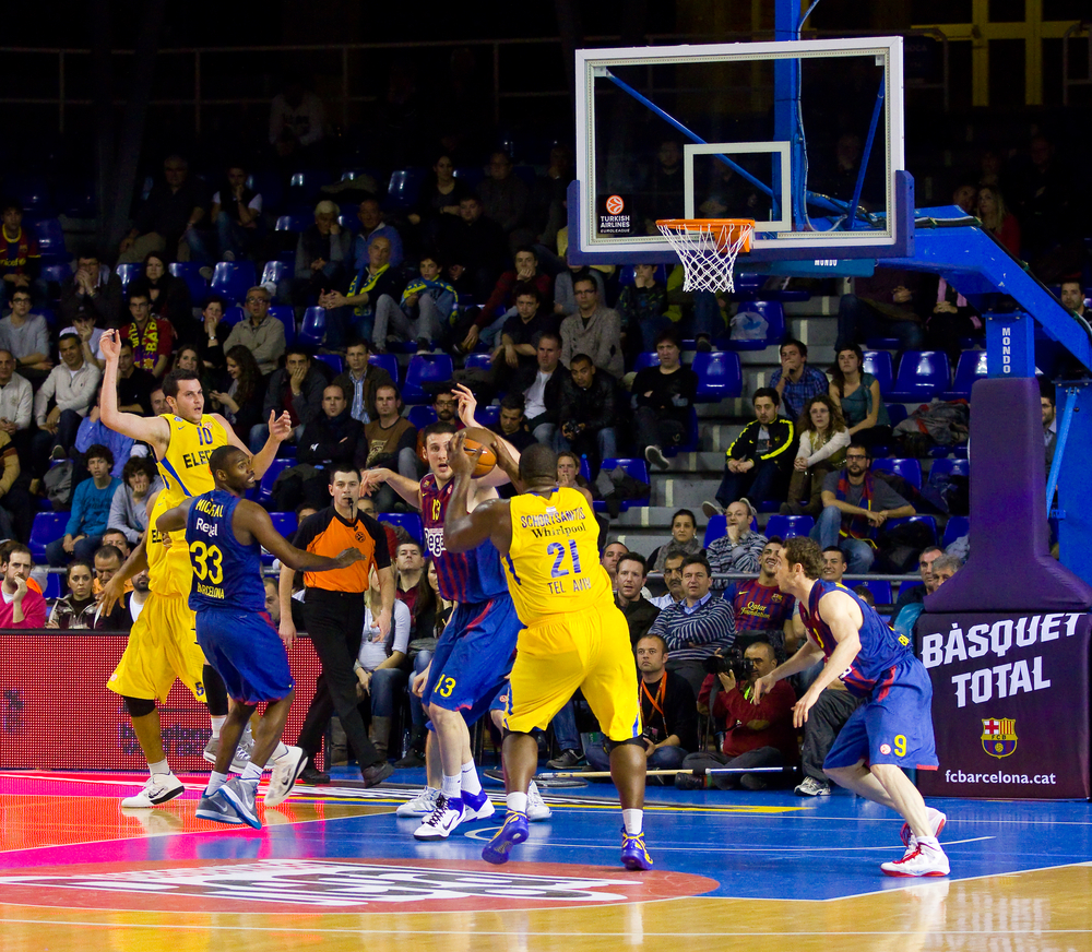 BARCELONA - FEBRUARY 29: Some players in action during the Euroleague basketball match between FC Barcelona and Maccabi, final score 70-67, on February 29, 2012, in Palau Blaugrana, Barcelona, Spain.